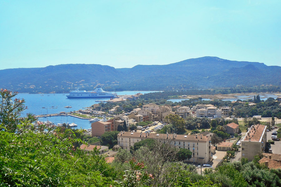 seaside holidays in porto vecchio corsica. Black Bedroom Furniture Sets. Home Design Ideas